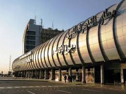 سوء الاحوال الجوية ادى إلى هبوط اضطرارى لـ 3طائرات بمطار القاهرة بدلا من برج العرب