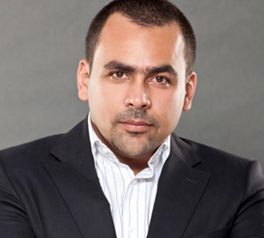 الحسينى : تتقطع ايد أي واحد يمد إيده على صحفي