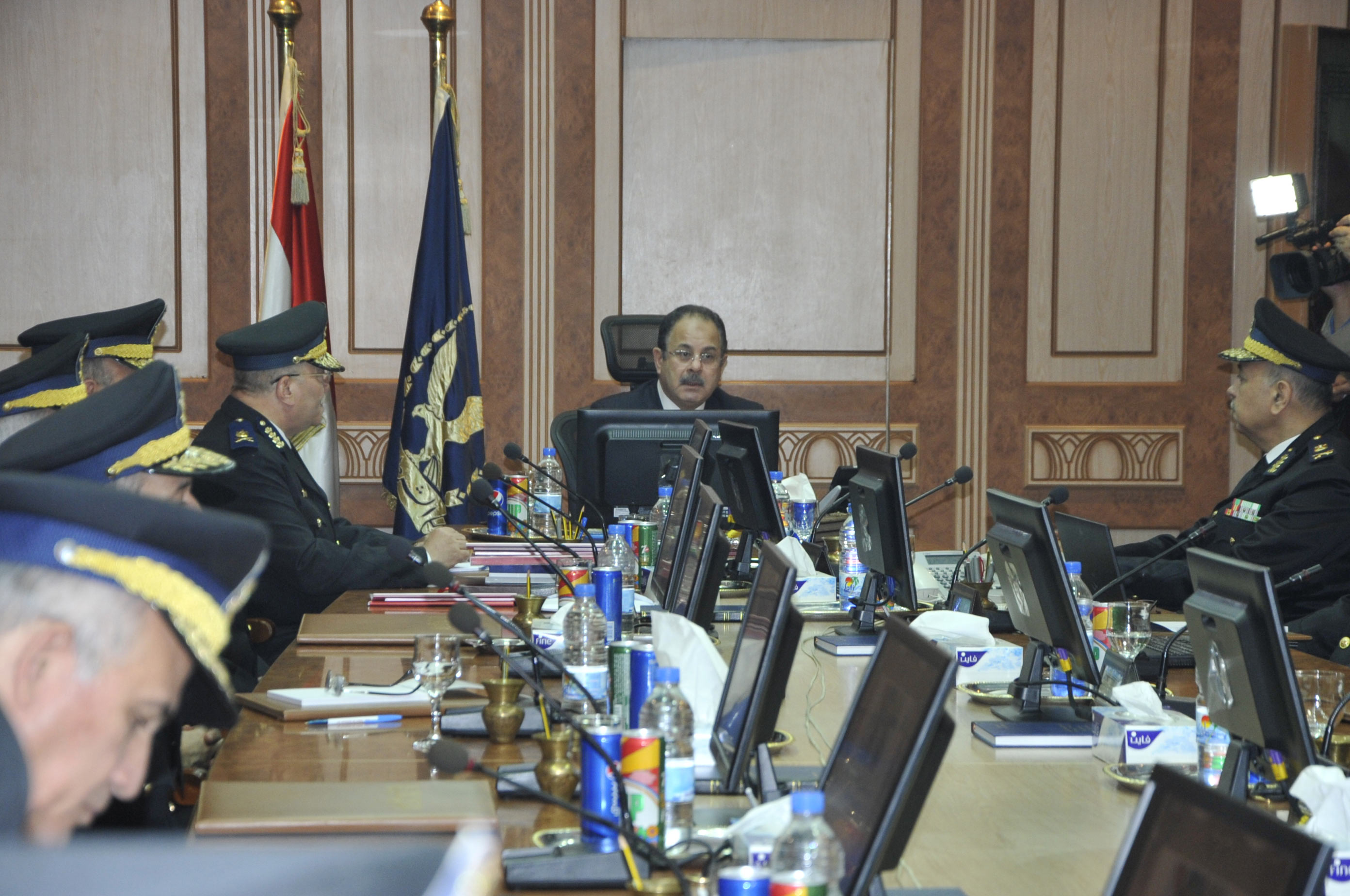 وزير الداخلية يحدد الخطوط الرئيسية لإجراءات تحقيق الانضباط الداخلي