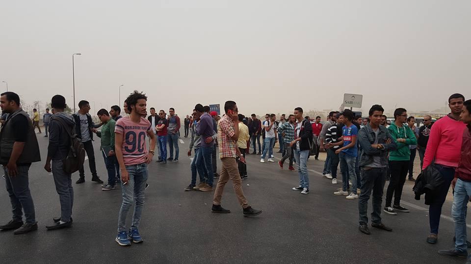 حصريا بالصور والفيديو : قطع طريق الاسماعيلية القاهرة الصحراوي