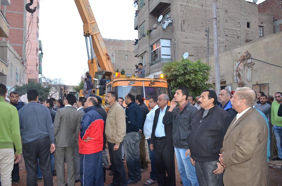 """تصريحات اللواء """"يس طاهر"""" فى موقع إنهيار عقار الإسماعيلية"""