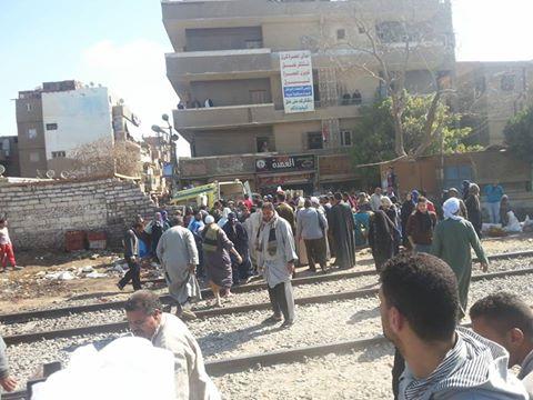 """"""" وفاة مواطن  """"  تحت عجلات القطار بمحافظة المنيا"""