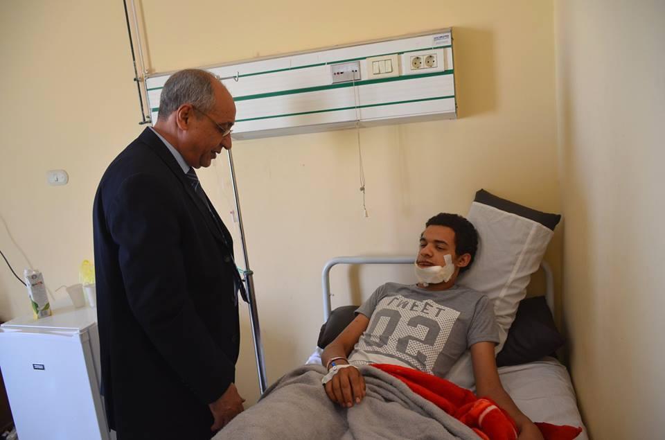 """المهندس"""" أبو السعود جهلان """"يصرف الإعانات المالية لحالات الوفاة ومصابى العقار المنهار بالإسماعيلية"""