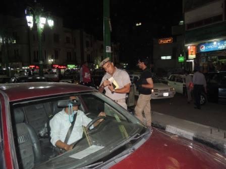 ضبط 250 مخالفة بحملة مرورية ليلية بكورنيش المعادى