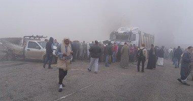 حادث تصادم أتوبيس سياحى مع سيارة نقل بطريق الزعفرانة