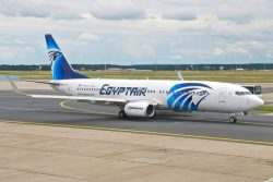 مصر للطيران وبوينج يعلنان شراء 9 طائرات من طراز البوينج 800-737 فى معرض فارنبورو الدولى
