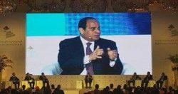 السيسي يجرى حواراً مع رؤساء تحرير الصحف القومية حول تطورات الأوضاع فى الشارع المصرى