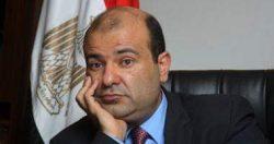 """مصادر قانونية: التحقيق مع وزير التموين حول """"فساد القمح"""" خلال ساعات"""