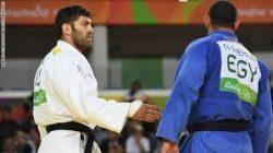 إسلام الشهابى يرفض مصافحة اللاعب الاسرائيلي والحكومة الاسرائيلية ترد