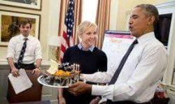 أوباما يحتفل بعيد ميلاده الـ 55