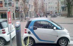 أمريكا تخصص 40 ألف كيلومتر للسيارات الكهربائية.. 48 ممراً للشحن