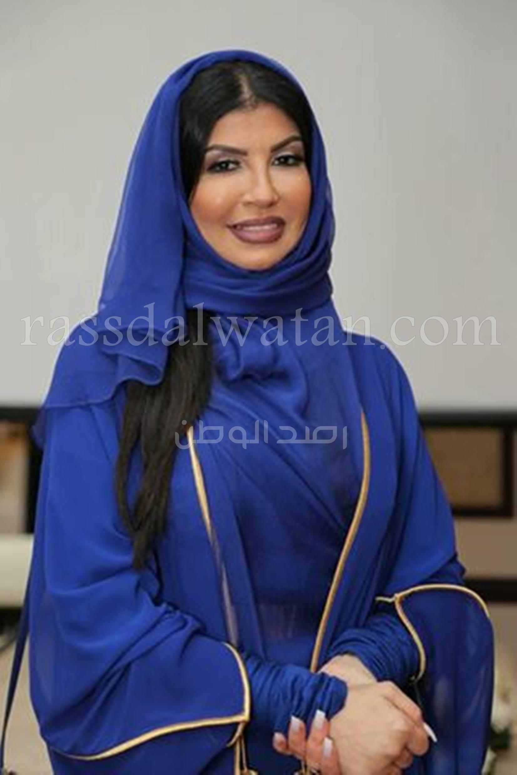 """fba88627a06e3 مصممه الأزياء السعوديه """"أميمة عزوز"""" تدعم خمس""""سعوديات"""" في أكبر مسابقة عربية  لتصميم الأزياء"""