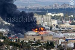 بالصور…حريق مصافي البترول في حيفا شمال إسرائيل