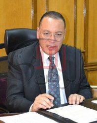الاستاذ الدكتور ممدوح غراب رئيس جامعة قناة السويس يكتب : الدواء مرة أخرى سيادة الريس ..ماذا لو؟