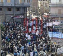 بالصور…احتجاج اهالى المحكم عليهم بالإعدام بالقضية المعروفة إعلاميا بمذبحة بورسعيد