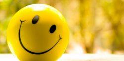 الابتسامة كالذهب لا يمكن للحاقدين تزيفها