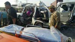 مصرع تسعة واصابة خمسة في حادث تصادم سيارتين مكروباس بطريق بور سعيد .