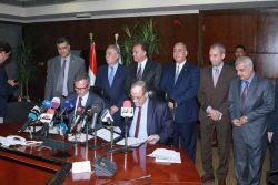 وزير النقل يشهد توقيع عقد ماكينات وبوابات تذاكر المرحلتين الثالثة والرابعة (ب)للخط الثالث لمترو الأنفاق