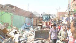 بالصور رئاسة مجلس مدينة العياط تنفذ أكبر حملة اشغالات وتعديات بالمدينة وسط حشد كبير من الاهالي.
