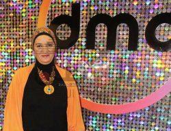 """الفنانة """"داليا حسام"""" تبدع بمجال تصنيع الاكسسوارات والاحجار"""
