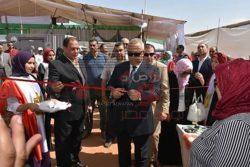 بالصور…محافظ الشرقية يشهد افتتاح معارض الأسرة المنتجة
