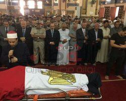 محافظ الدقهلية ومدير أمن الدقهلية يتقدمان جنازة الشهيد عمرو السعدنى