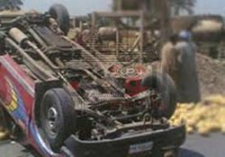 انقلاب سيارة و إصابة 8 أمناء شرطة بجنوب محافظة المنيا