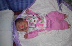 """"""" أطفال بلا هوية """" العثور على طفل رضيع داخل شنطة بجوار محطة أرمنت بالأقصر"""