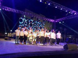 الجمهور يتفاعل مع فرقة أولادنا في الأفروصيني
