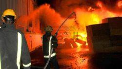 السيطرة على حريق ضخم شب بأحد المخازن الخاصة بالمواد للغذائية بطنطا