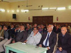 """بالصور : """" عزب """" يجتمع برؤساء لجنة النظام والمراقبة لإمتحانات الإعدادية"""
