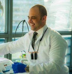 د.محمد العالم يوضح كيف يمكنك حماية اسنانك فى فترة الصيام؟