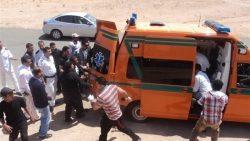 مصرع 9 أشخاص وإصابة 11 آخرين في حادث تصادم سيارتين على الطريق الصحراوي بقنا