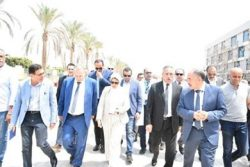 وزيرة الصحة تتفقد مستشفى الإسماعيلية العام وتوجه بتجهيز مركز تدريب بالمستشفى