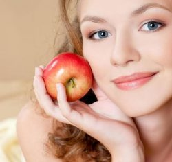 وصفة العسل والتفاح مع خبيرة التجميل :نوشة شحاته