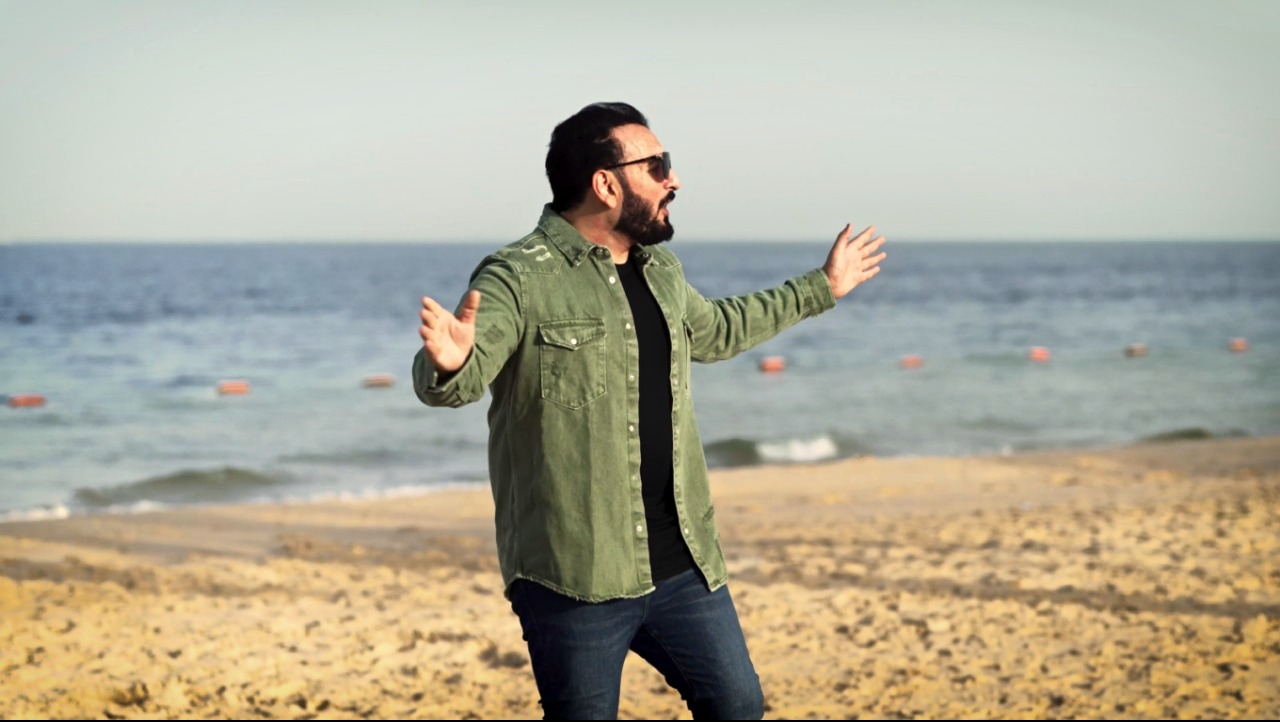 ايمن صابر يطرح بحبك عبر قناته على اليوتوب