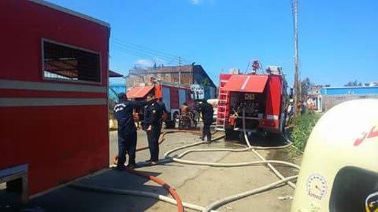 حريق هائل يلتهم مصنع للأدوات الكهربائية بكفر الشيخ ..  و تقدر الخسائر ب 2 مليون جنيه مبدئياً
