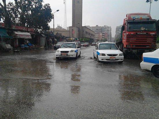 4201612135946691الأمطار-تغرق-شوارع-بورسعيد-(3)