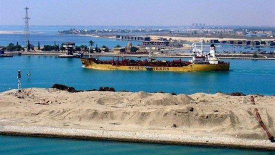 بدء حركة الملاحة بقناة شرق بورسعيد الجانبية