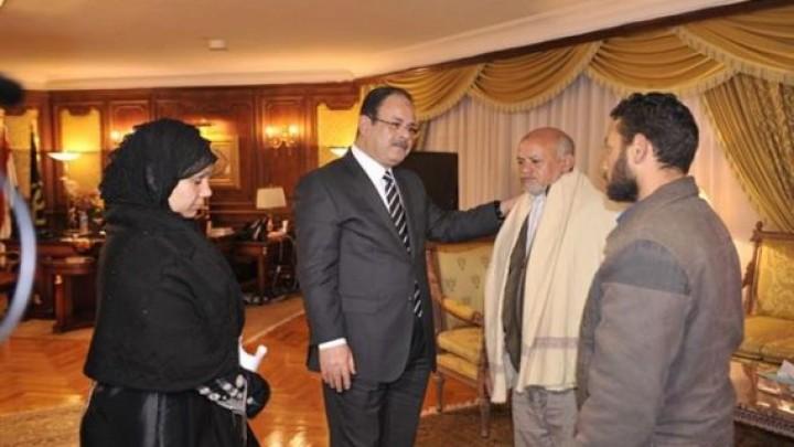 وزير الداخلية أكد أن دم ابنك في رقبتى