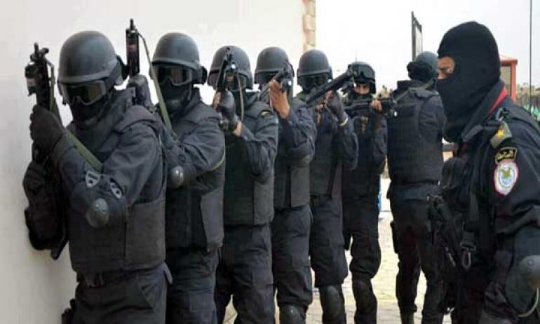 الصاعقة المصرية تأسر 35 عنصر من داعش