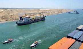 عبور 159سفينة بقناة السويس